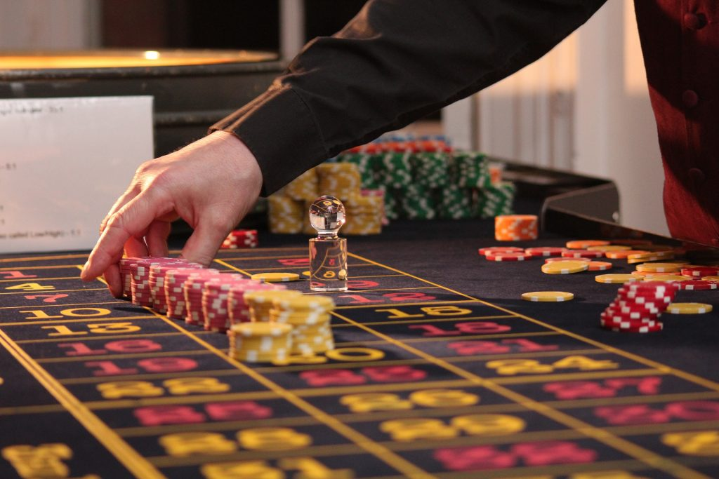 Bring the Excitement of Casino Games at the Comfort of Your Home with MagicRed
